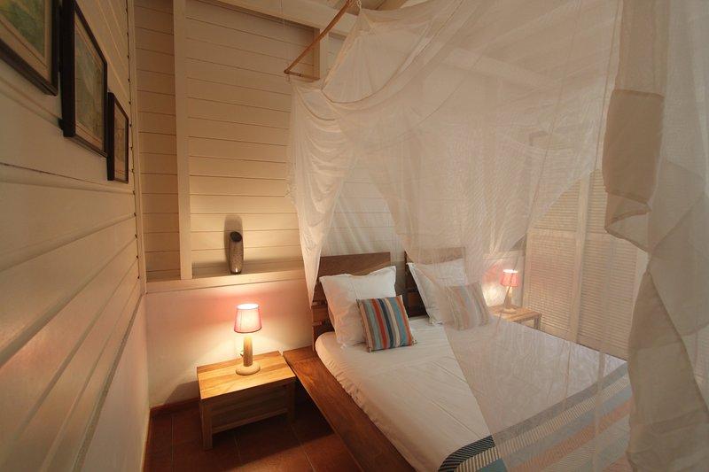 Chamber 2 RDC - cama de 160 x 200 - -moustiquaire quadrado Ar suspensa