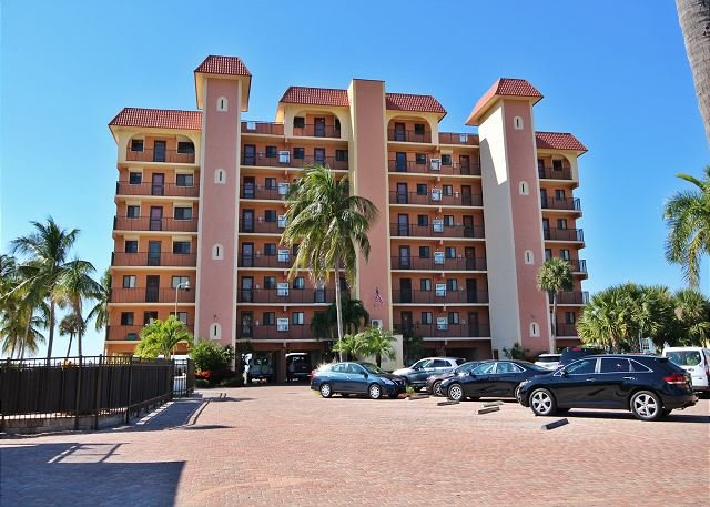 Cane Palm #404, holiday rental in Fort Myers Beach