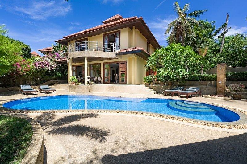 4 Bedroom Sea View Villa Tongson Bay (TG48), alquiler vacacional en Plai Laem