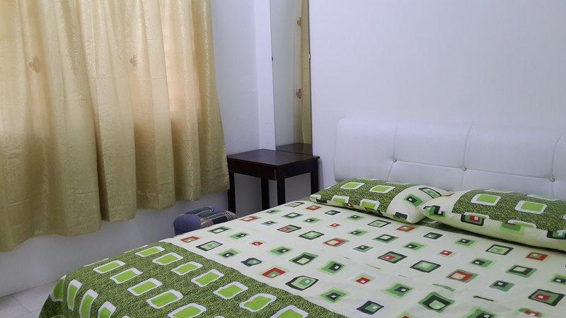 3 Bedrooms condo: Near LRT & Commuter, holiday rental in Cheras