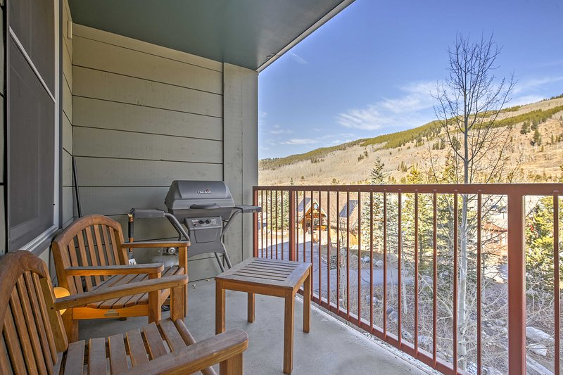 Plan a romantic retreat to this 1-bed, 1-bath vacation rental condo!