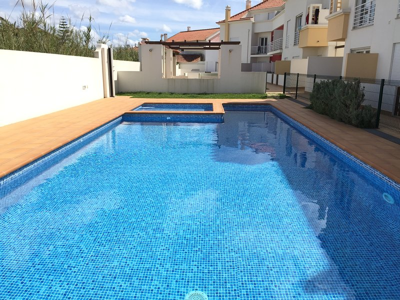 Surf Paradise Apartment Baleal Beach, vacation rental in Peniche
