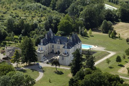 Chateau luxury apartment, holiday rental in Saint-Germier