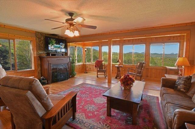 Views,  views, views!  Gas fireplace - Large Flat Screen Tv - High speed internet!