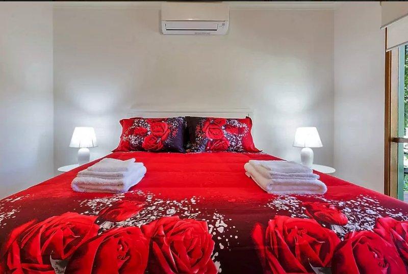 Linge de qualité et serviettes fournis pour 3 chambres.