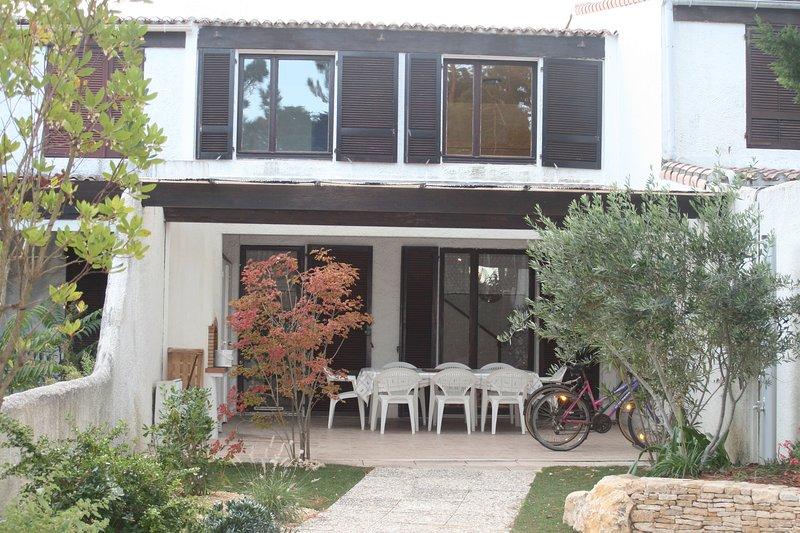 Maison tout confort à 2 pas de la plage et de toute commodité, location de vacances à Vendée