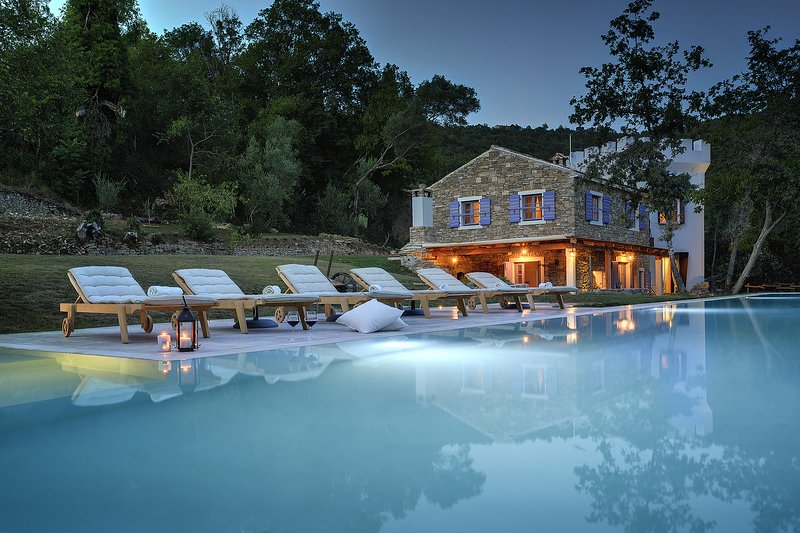 Torrecorta Relais & Wellness 5 stars Lux Villa with 25 m Pool, Jacuzzi, Gym, holiday rental in Vizintini Vrhi