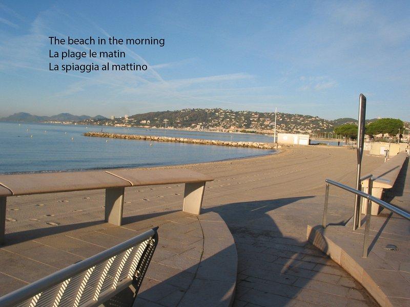 Beach (gratuit - Sans frais) = la plage est propre et ratissé tous les matins