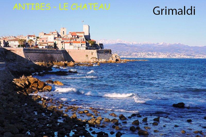 ANTIBES Le château Grimaldi, la cathédrale, le Cap d'Antibes