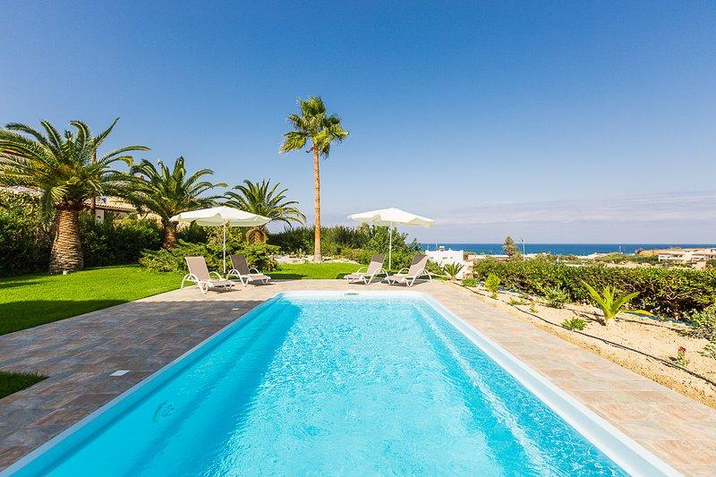 Villa Malena, beach retreat!, vacation rental in Sfakaki