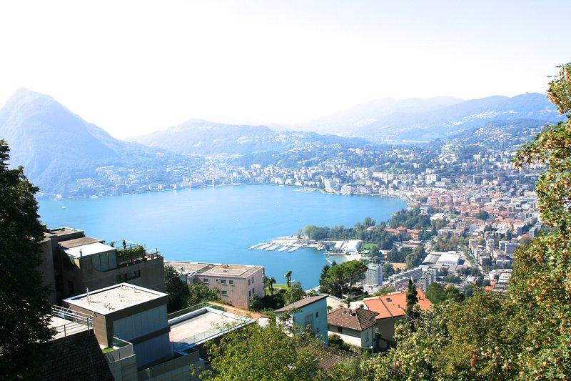 Delizioso appartamentino vista lago, location de vacances à Lugano