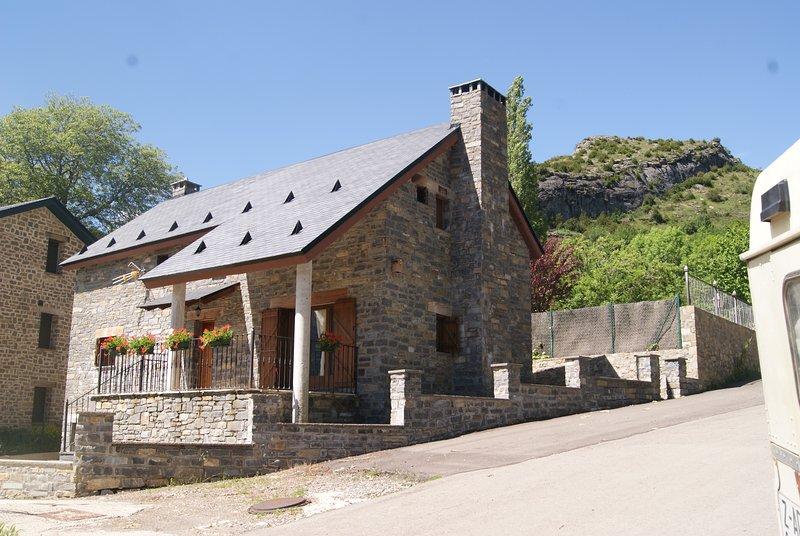Casa Rural Hoz de Jaca, location de vacances à Gavin