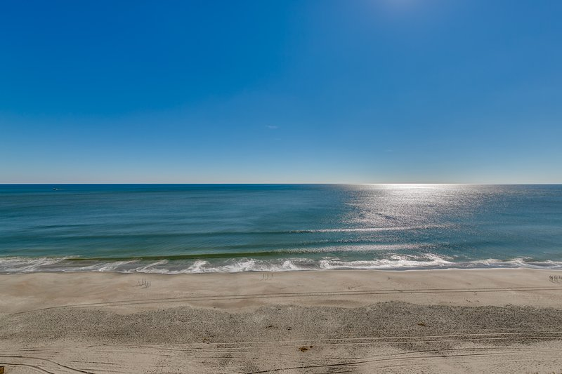 Oceanfront 3 bedrooms and 3 baths Luxury Condominium at Mar Vista Grande AAA Four Diamond Resort