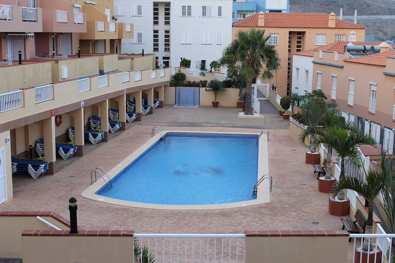 Candelaria - Piscina. Paseo Maritimo y Playa, holiday rental in Las Caletillas
