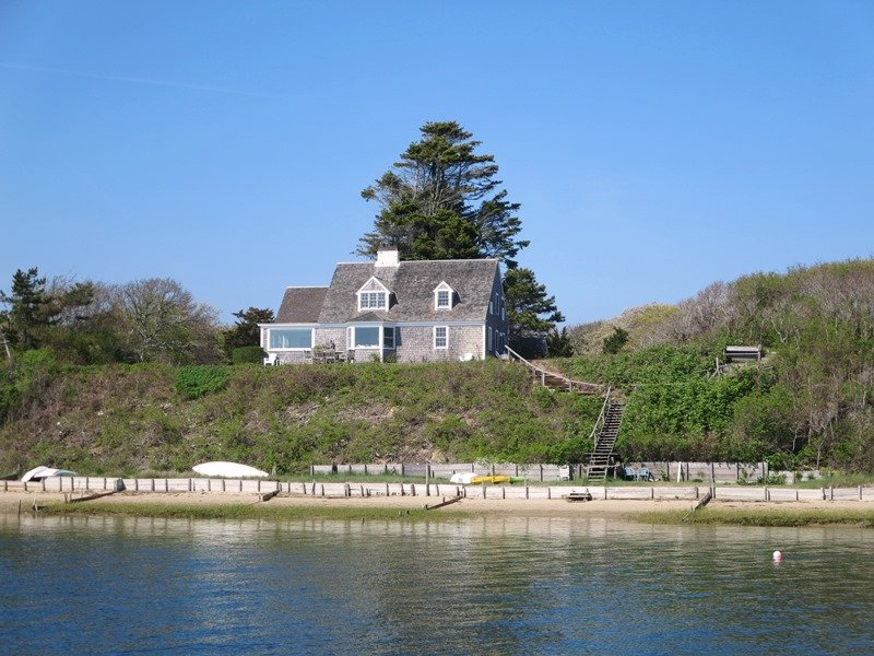 The Bluff House on Sears Point - 30 Seabeach Road Chatham Cape Cod New England Vacation Rentals