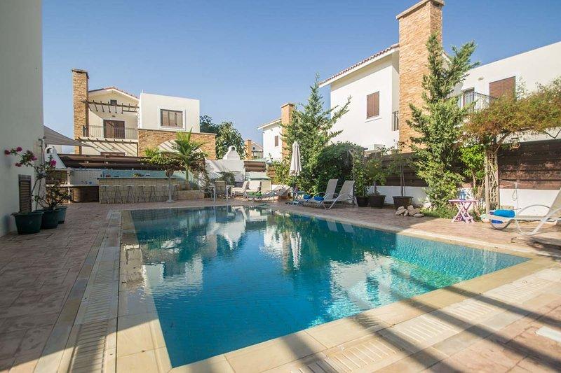 Ionion Holiday Beach Villa, holiday rental in Sotira