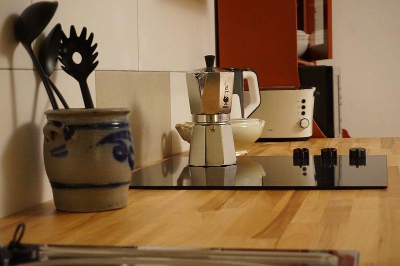 Cocina con horno lavavajillas, vitrocerámica, microondas, Toaster.etc.