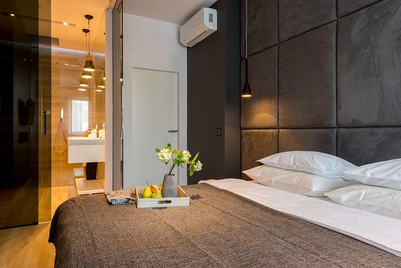 One Bed. Apartment BRYLOWSKA EXPO with A/C, casa vacanza a Piastow