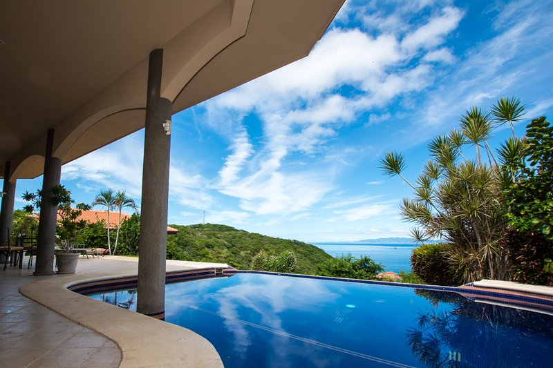 Heavenly View of the Pacific gorgeous pool - Casa OM, holiday rental in Playa Hermosa