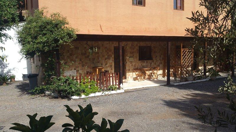 Casa Rural Ubicada En Medio De Finca De Naranjos Y Mandariina