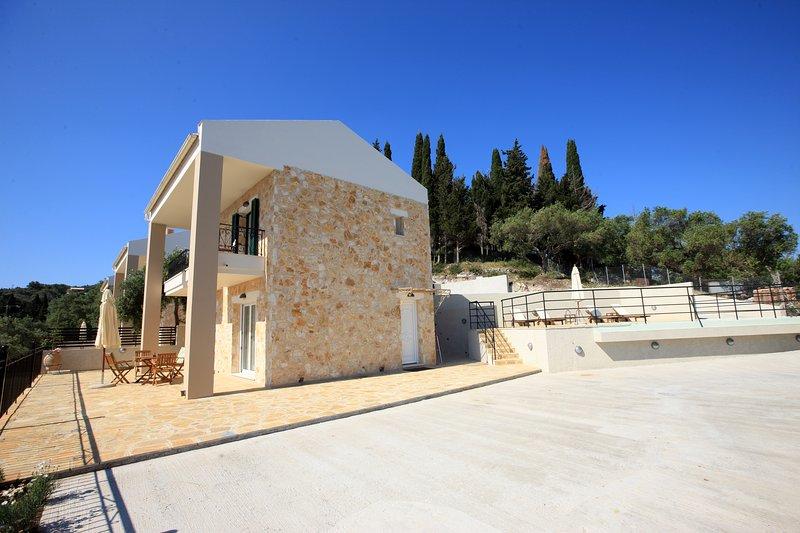 Thalia Luxury Villa, holiday rental in Loggos