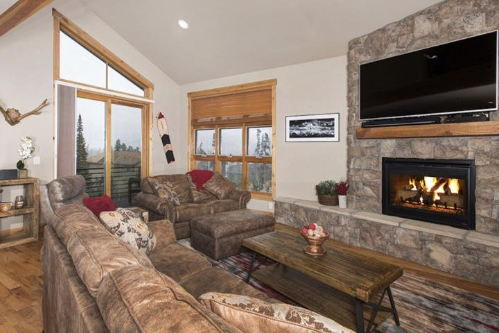 Cozy Up In The Living Room With Family And Friends