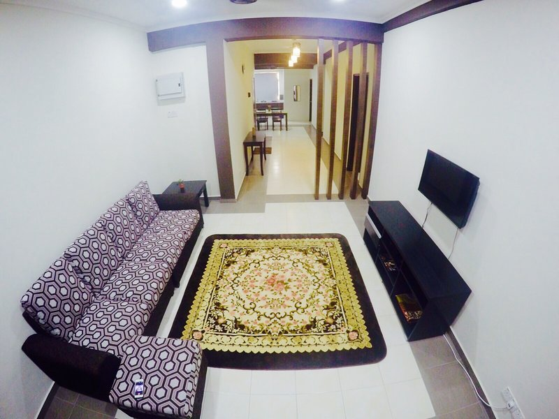 STRAITS INC SERVICE APARTMENT, vacation rental in Ayer Keroh