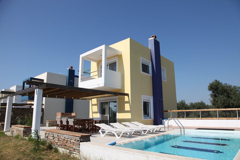 Villa-4, near the beach and the golf course of Rhodes, private pool-garden, vacation rental in Afandou