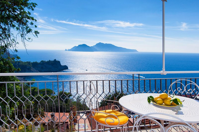 Terrace adjoining the kitchen sea view Capri and Ischia