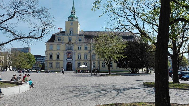 Ferienwohnung Apartement Condo ,Oldenburg Stadtmitte, Schlossgarten und Olantis, vacation rental in Oldenburg
