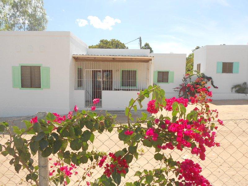 Bougainvilla cottage 2: