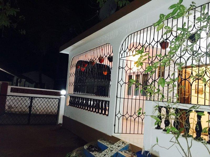 Goa Rentals 2bhk Independent Villa Candolim, vacation rental in Nagoa