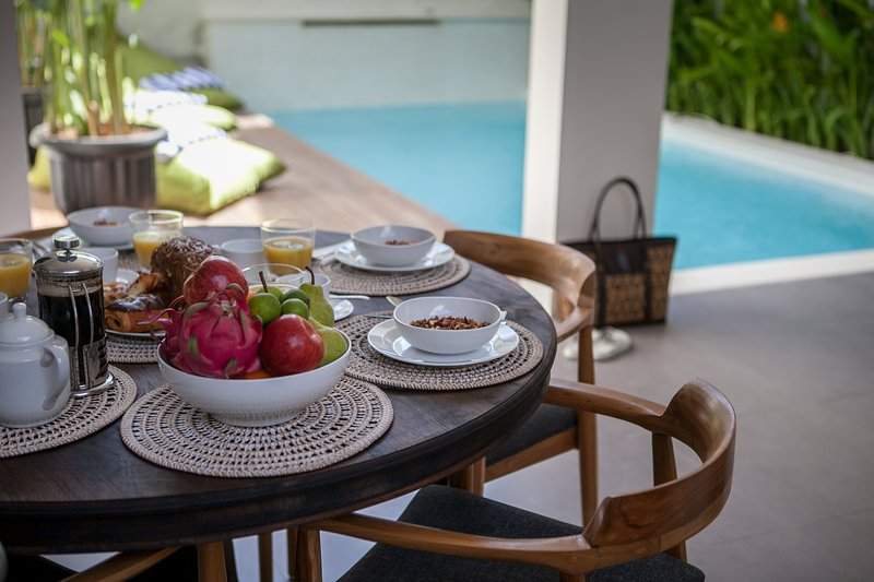Three Bedroom Villa Jimbaran, vacation rental in Ubud