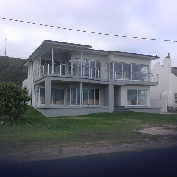 Cape Agulhas - Spacious House On Ocean With Beautiful Ocean Views, alquiler de vacaciones en Overberg District