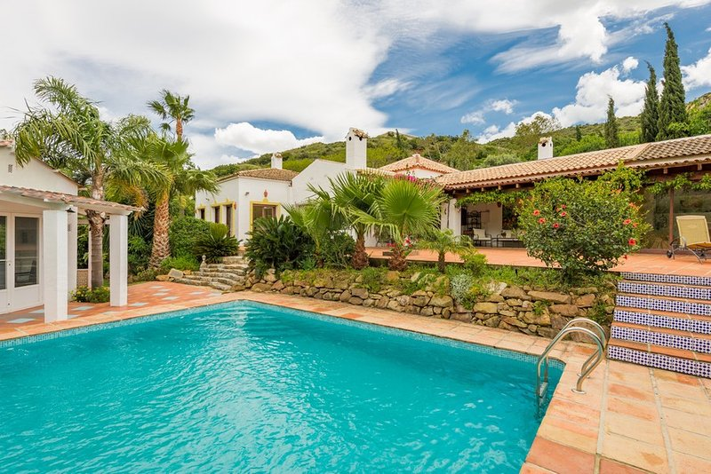 400 m2 built, 150 m2  patios, private pool and pool house with shower, WC, kitchen and fridge