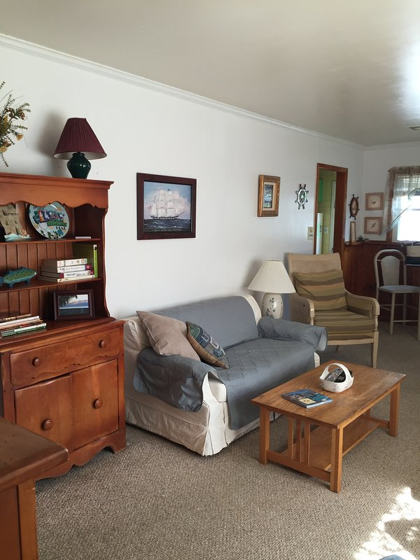 Living room dinning area