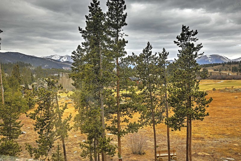 Have the ultimate escape to the Rockies at this incredible Keystone condo!