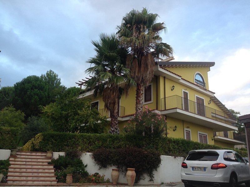 BRA'S RESIDENCE, holiday rental in Nicolosi