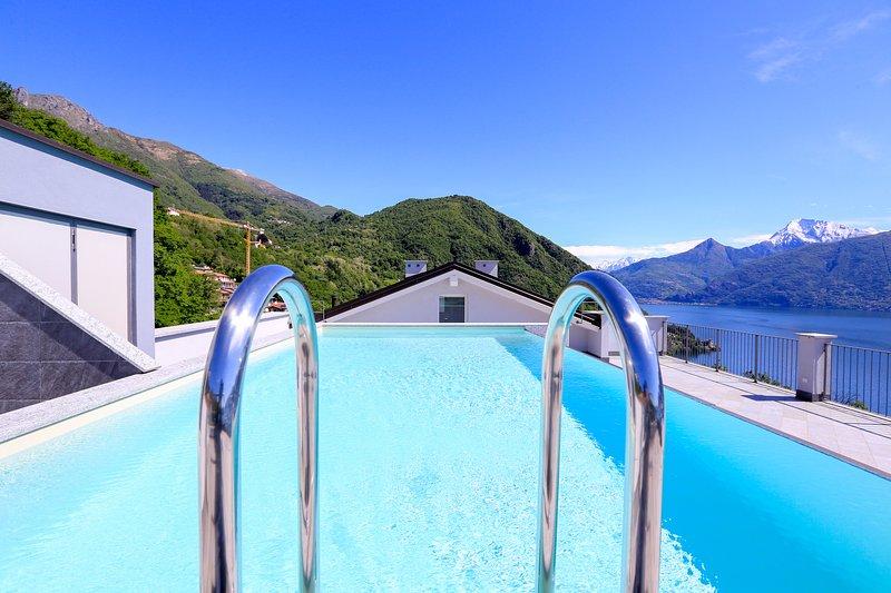 Azotea piscina comunitaria con increíble vista al lago