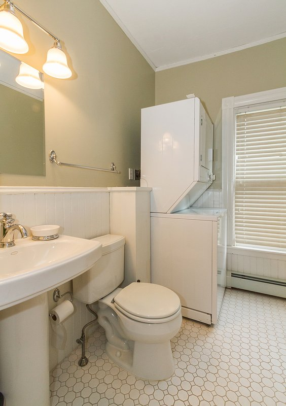 1st floor bath with washer and dryer