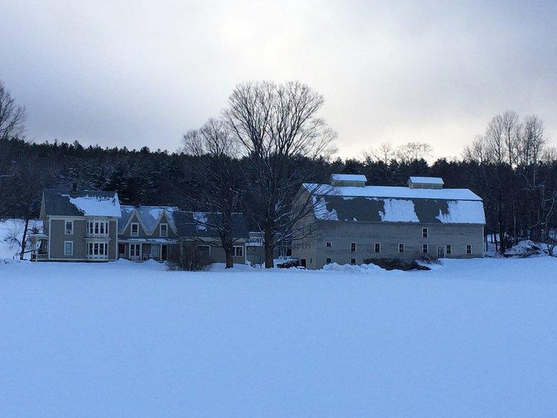 """""""The Big Barn Farm"""" - Esquí (Okemo - 5 millas) y motos de nieve (VAST en la propiedad)"""