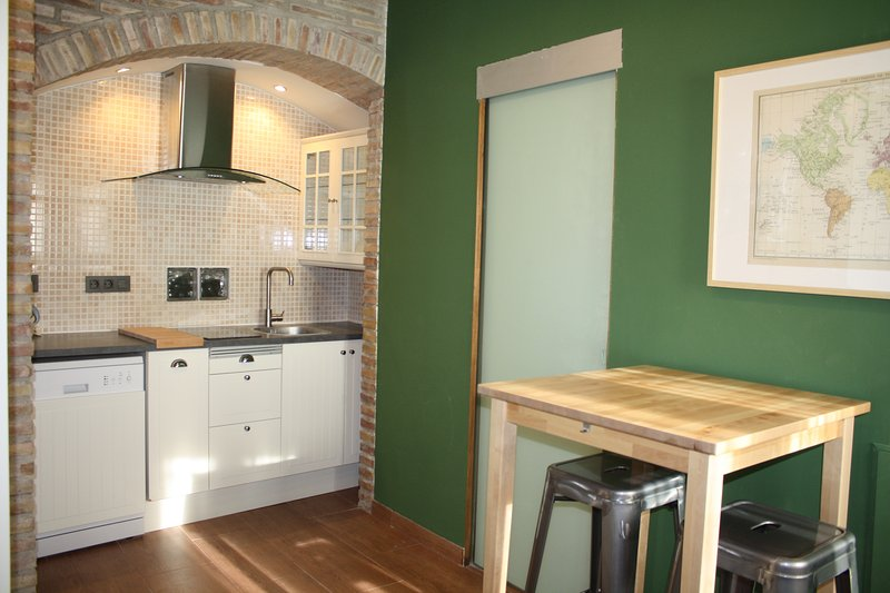 Kitchen with breakfast table.