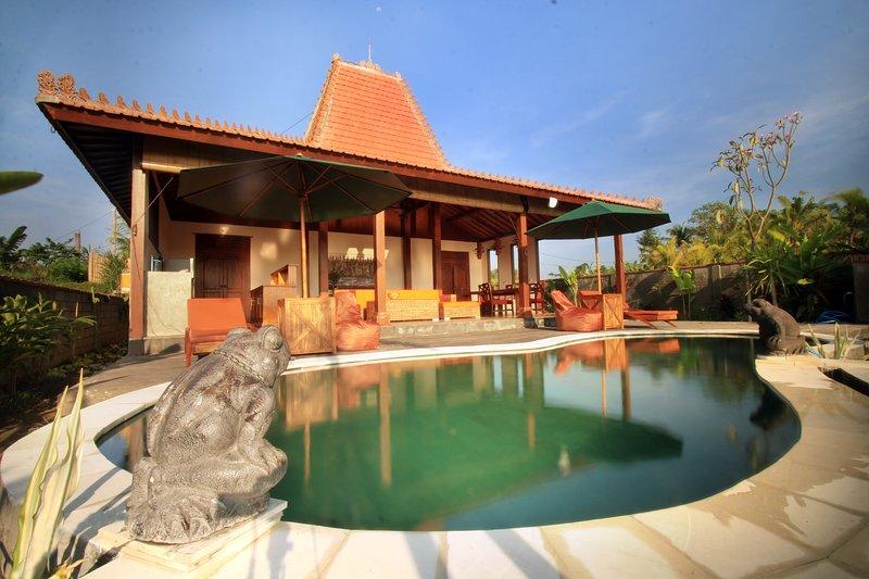 Villa D'Carik 3: villa in the rice fields of Sayan, holiday rental in Ubud