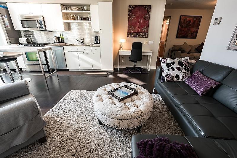 Piso 1 dormitorio amplio y luminoso en el distrito de entretenimiento. El fácil acceso a la autopista y TTC
