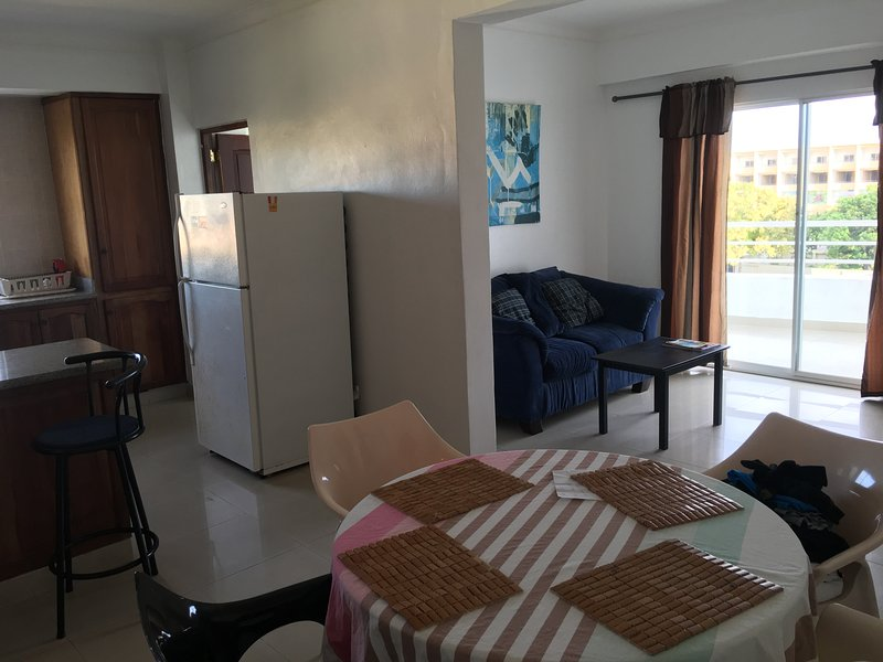 2 Bedroom apartment, great location, New building, vakantiewoning in Santo Domingo
