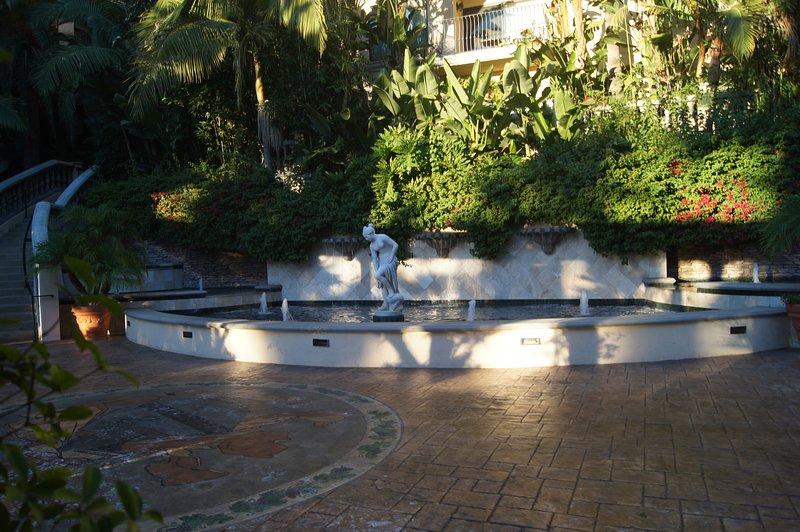 Elegant 1 bedroom apartment in the heart of Downtown LA, casa vacanza a Monterey Park