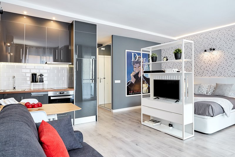 Suite A connected to Apartment B