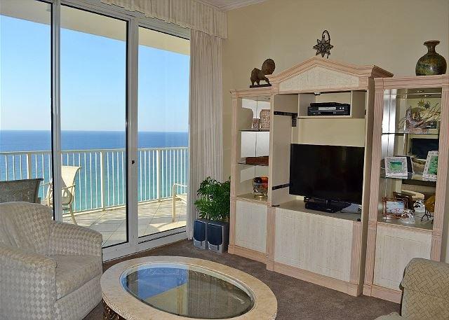 Tides 1505 Living Room