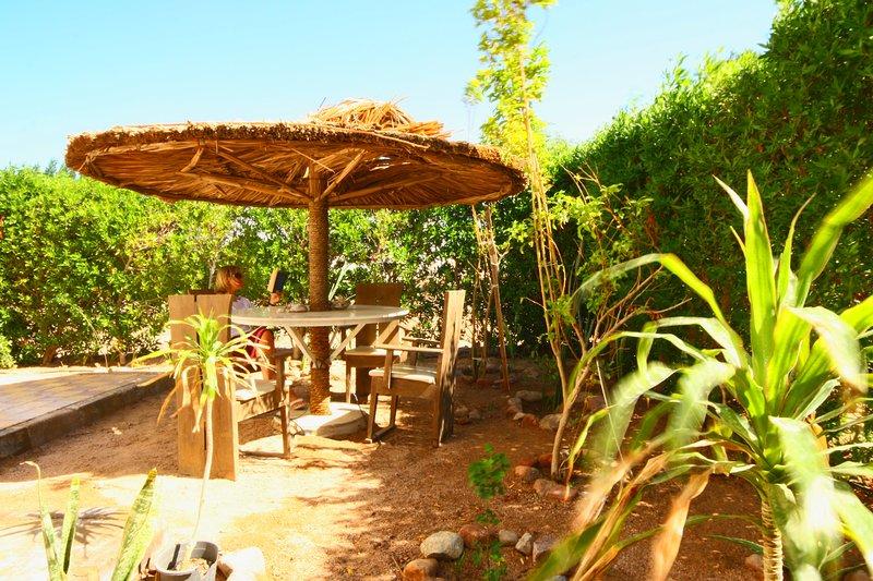 jardin Zesty pour al fresco salle à manger avec barbecue