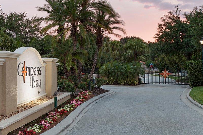 entrada do Compass Bay